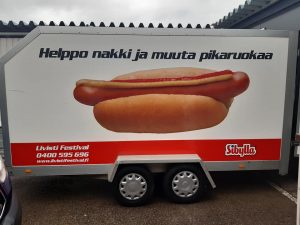 Vuokraamme Hotdog kärryjä.